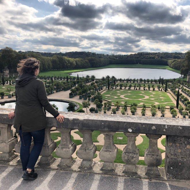 Serin im Garten von Versailles